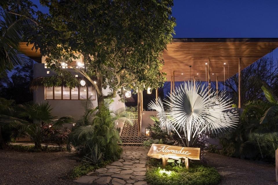069-nomadic-hotel-by-salagnac-arquitectos-960x640